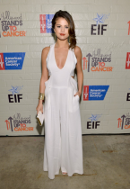 Selena-Gomez-In-BCBG-Max-Azria-Resort