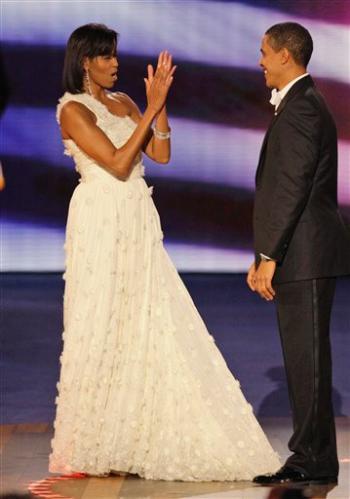 http://www.celebrity-fashion.net/wp-content/uploads/michelle_obama_jason_wu_inaugural_ball.jpg