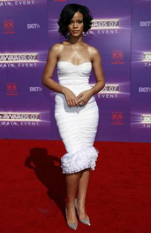 Rihanna 2007 BET awards arrivals